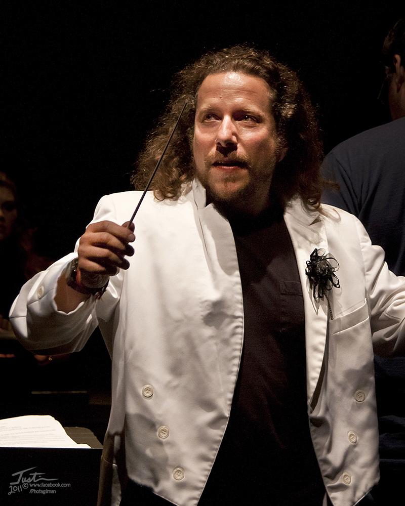 Eric Kupers conducting